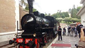 treno_locomotiva_a_vaporeE
