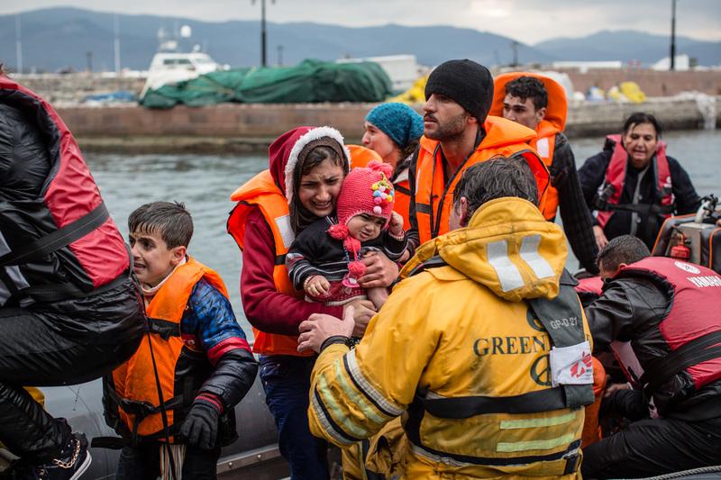 Mar Egeo, Grecia – Greenpeace insieme a MSF durante un'operazione di salvataggio di migranti diretti in Europa. ©Will Rose/MSF/Greenpeace