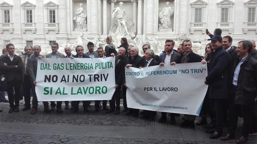 Foto Comitato Contro il Referendum del 17 aprile_Ottimisti e Razionali OK