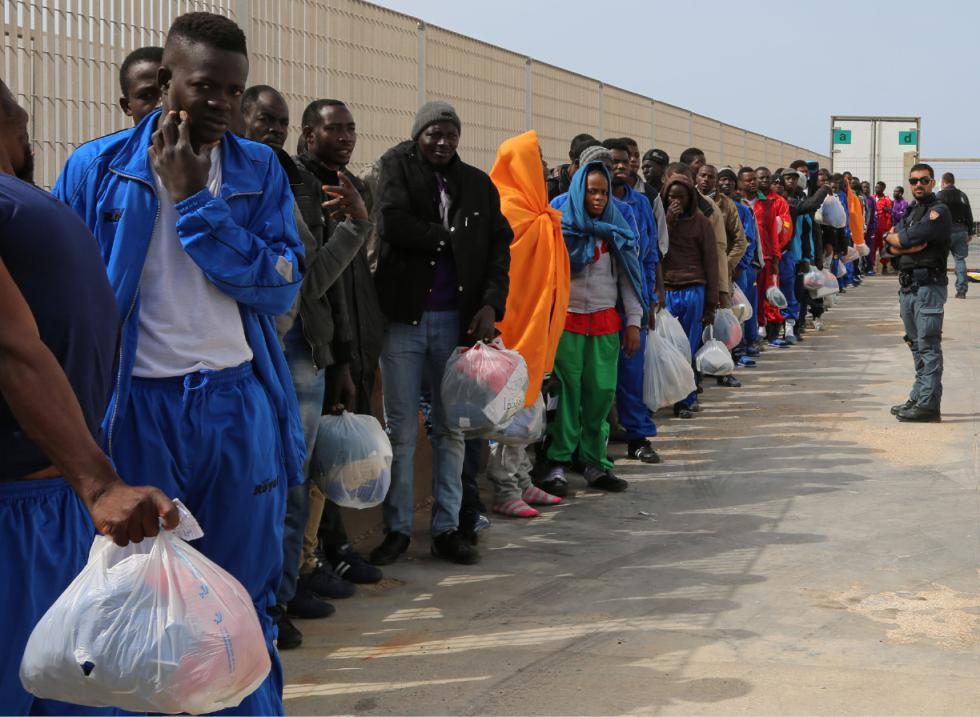 Risultati immagini per migranti