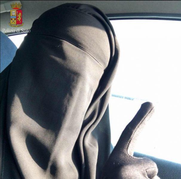 Isis, bresciana pronta per Siria, Digos la blocca