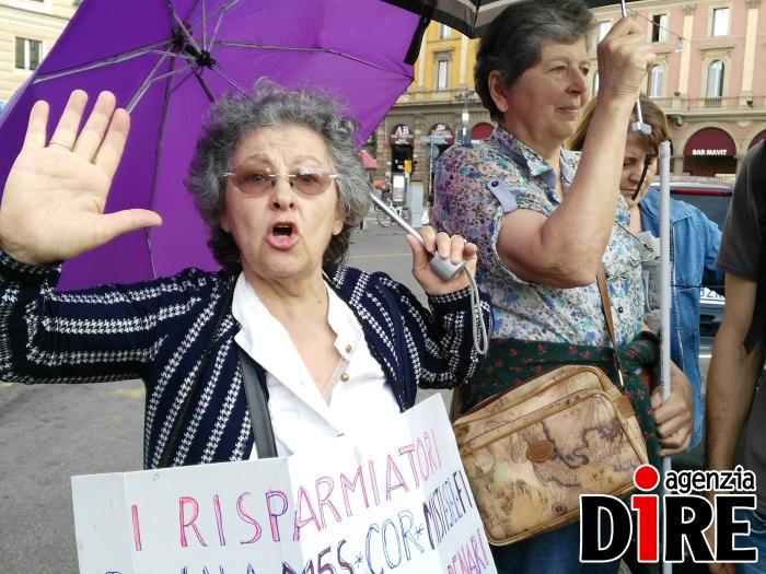 protesta banche bologna
