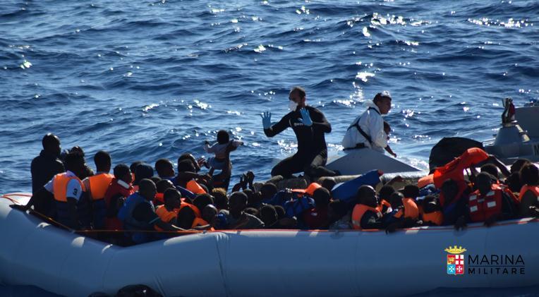 Migranti, 17 morti nel Canale di Sicilia COMMENTA
