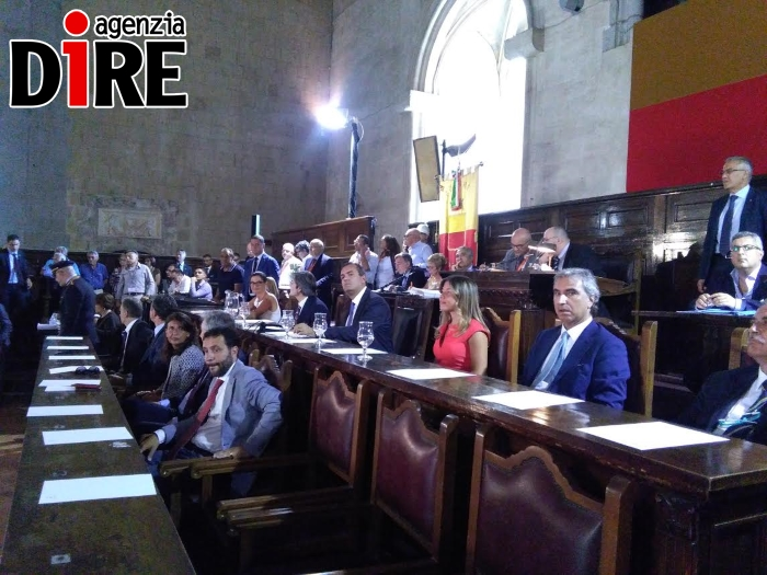 Napoli, de Magistris: domani non sarò da Renzi
