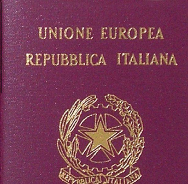 Inchiesta passaporti, arrestati funzionari Mef e Zecca