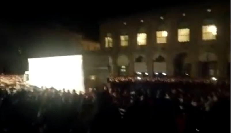 Bologna, un tir arriva in mezzo alla folla del concerto dei Nomadi