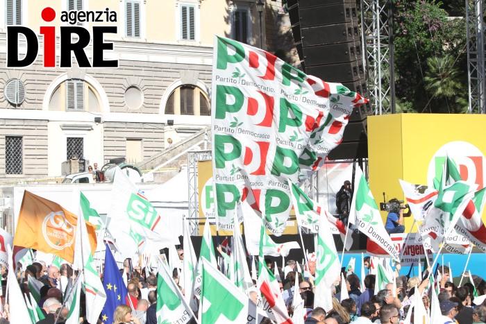 Referendum, Renzi ironico ai manifestanti: