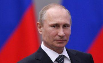 """Coronavirus, Putin: """"Abbiamo il vaccino, iniettato anche a mia figlia"""""""