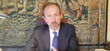 """Aumento casi di Coronavirus in Italia, Burioni: """"Le cose cominciano a mettersi peggio"""" ma oggi si fanno molti più tamponi e inizia a sentirsi l'effetto scuola"""