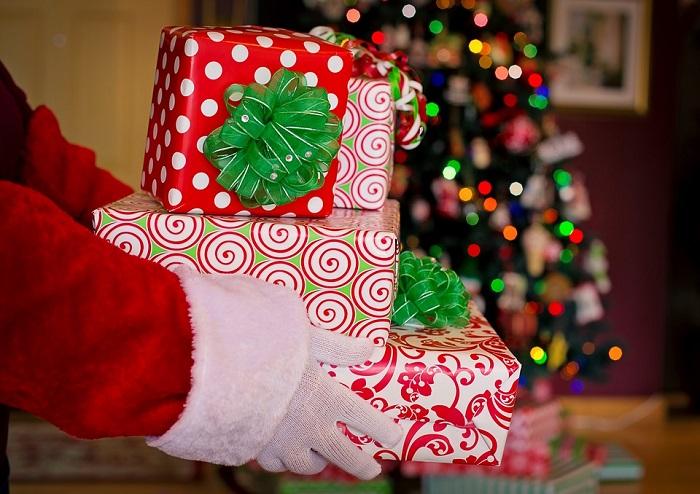a1e89a28b531 ROMA – E  ormai iniziata la corsa agli ultimi acquisti dei regali di  Natale. Quale migliore occasione per fornire consigli utili ed evitare che  lo shopping ...