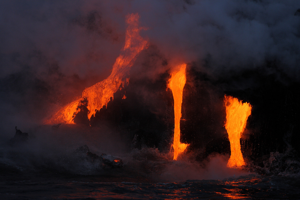 Hawaii, si risveglia il vulcano Kilauea nel distretto di Puna