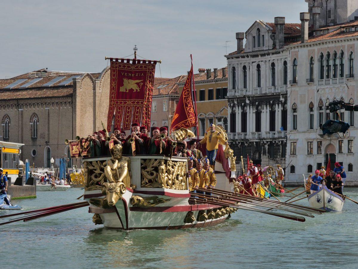 a venezia regata storica da record brugnaro tutto ha