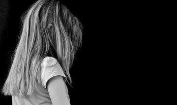 """La psicoterapeuta: """"Gravi rischi per la piccola dei fratellini di Cuneo"""""""