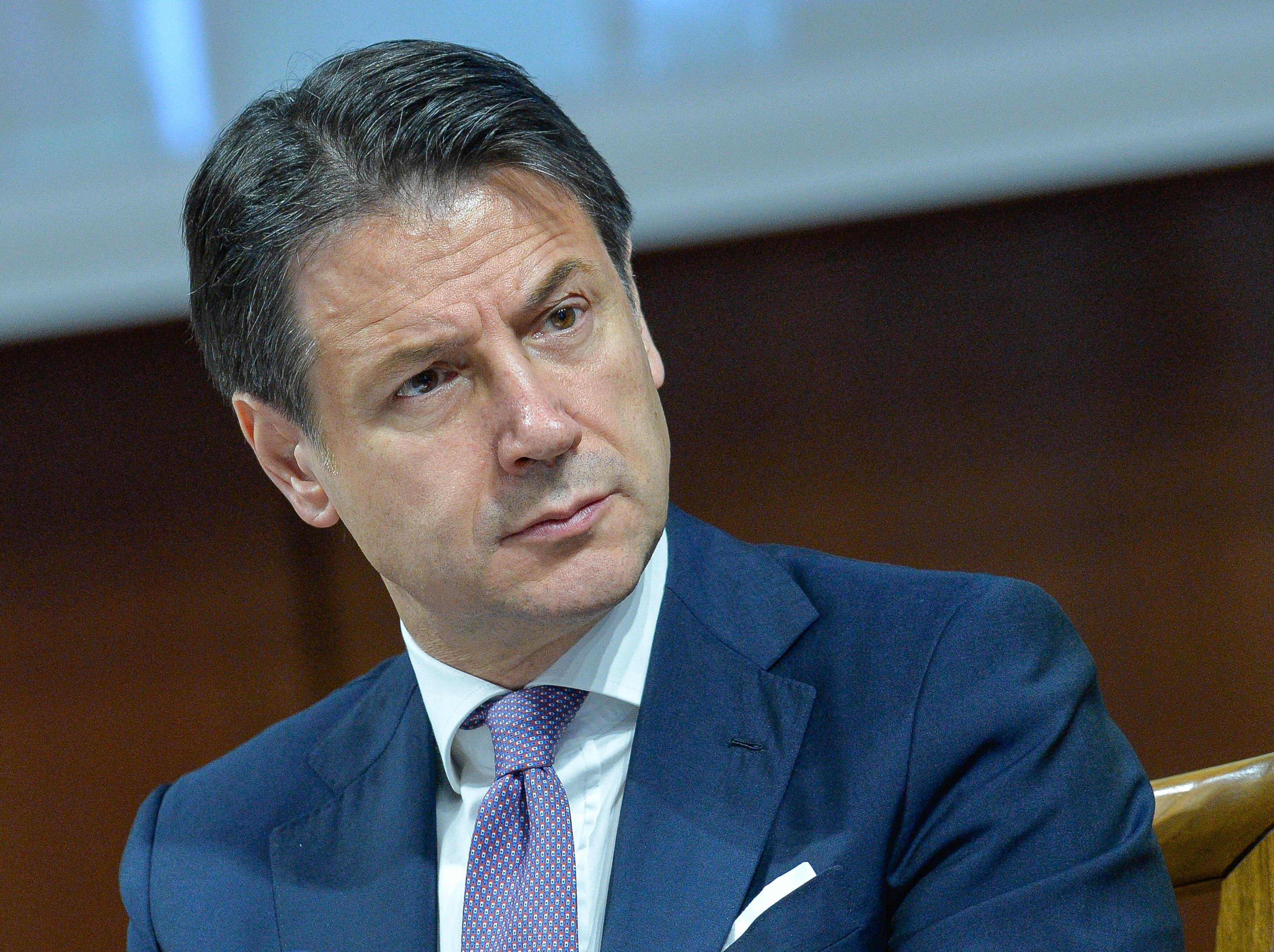 Giuseppe Conte dichiara oltre un milione di euro: è il più ricco ...