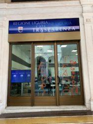 'Fuori i fasci' |  imbrattato a Genova il palazzo della Regione Liguria