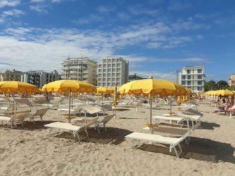 riccione_spiaggia_spiagge_ombrelloni