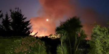 VIDEO |  Roghi nel Palermitano, elicottero Aeronautica in volo 9 ore per contenere le fiamme