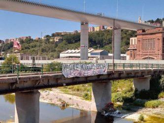 striscione_ponte genova
