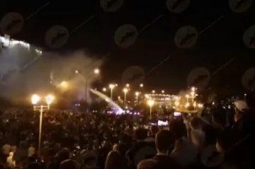 """Bielorussia in fiamme: """"Presidenziali farsa, almeno tre morti tra i manifestanti"""""""