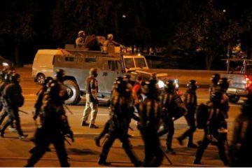 Bielorussia, terza notte di cortei: la violenza sta aumentando