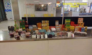 Oltre mille farmaci in valigia, denunciato passeggero all'Aeroporto Capodichino di Napoli