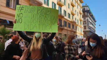 proteste scuola napoli