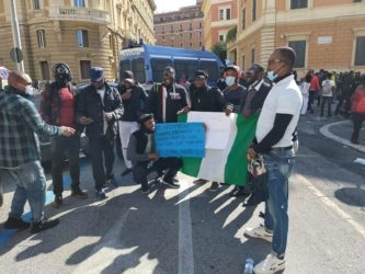 sit-in nigeriani a Roma