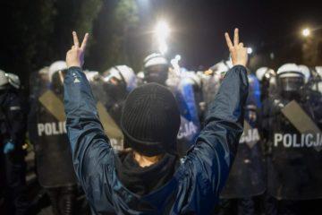 Legge anti aborto in Polonia: le donne tornano in piazza