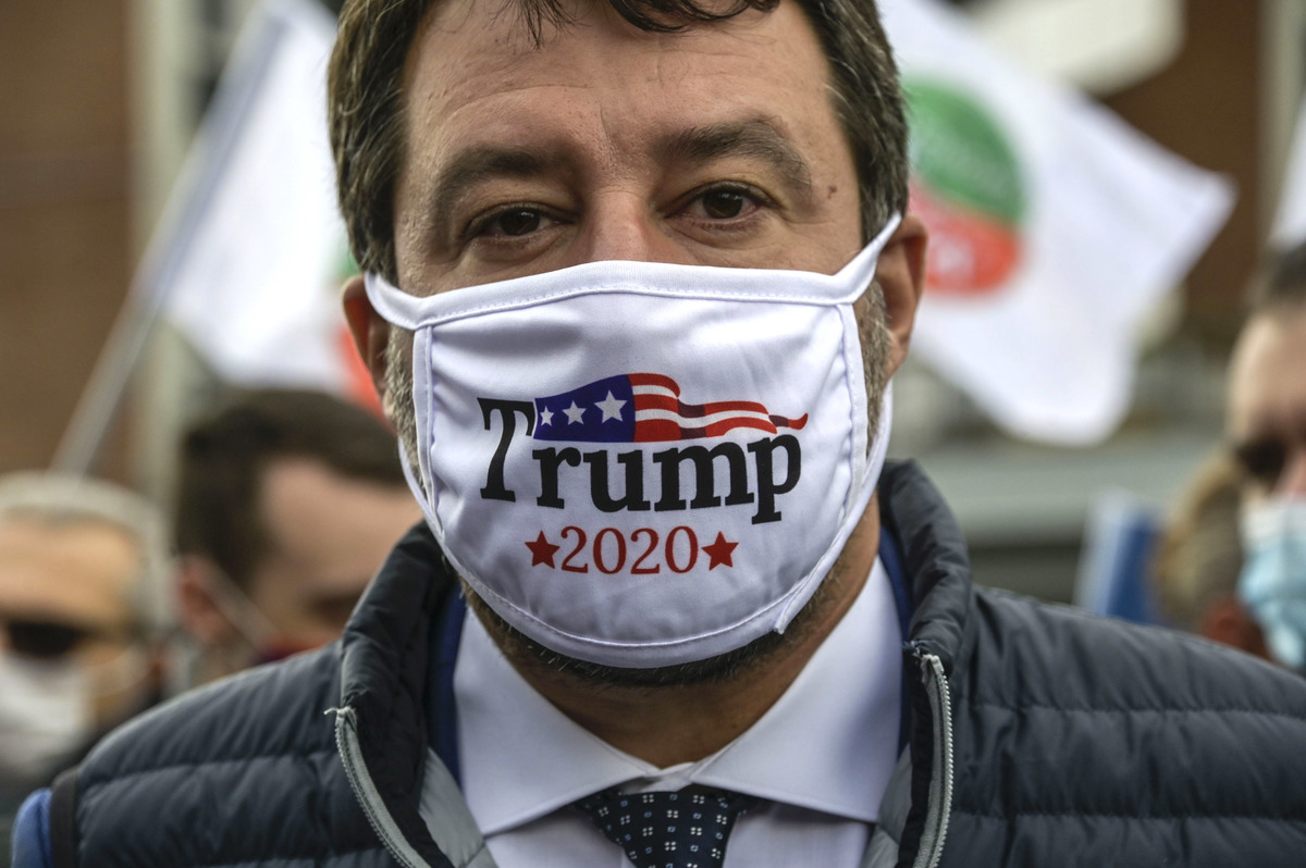 "VIDEO | Usa, Salvini sfoggia la mascherina pro-Trump: ""È il numero uno"" -  DIRE.it"