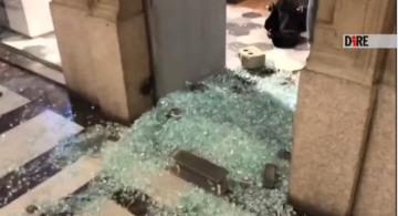 VIDEO | Coronavirus |  scontri anche a Torino |  ferito un fotografo |  10 fermati