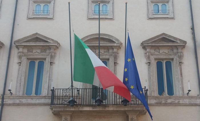 bandiere_mezzasta_lutto_palazzo-chigi