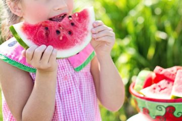cocomero_bambini_mangiare_frutta