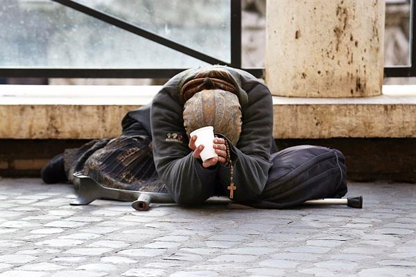 poverta-poveri