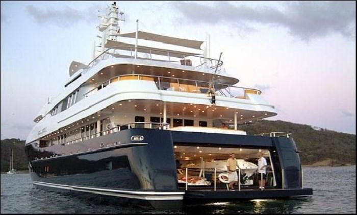 yacht-700-x-421