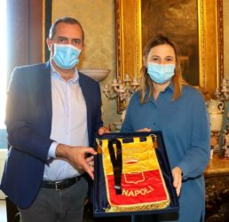 console argentina a roma incontra de magistris