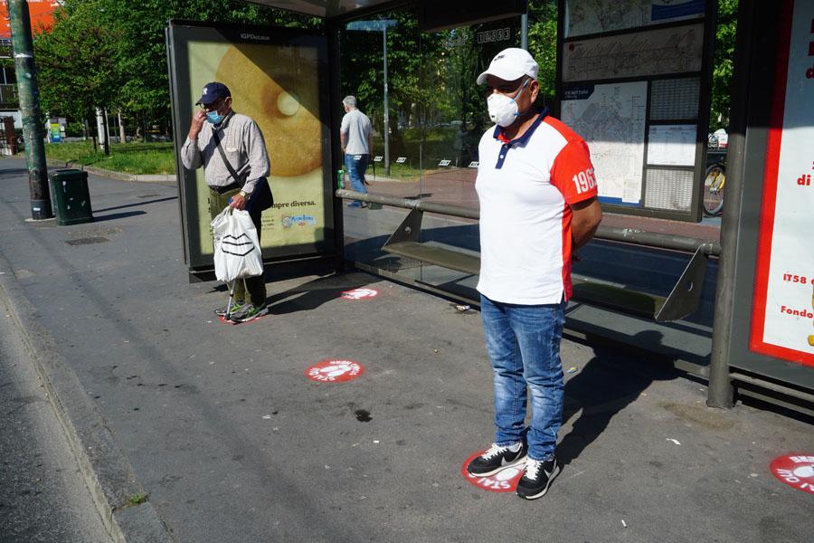 mezzi-pubblici_distanziamento_coronavirus_milano
