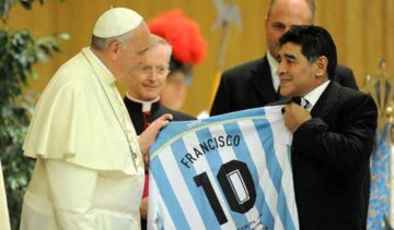 Papa Francesco ricorda Maradona nella preghiera