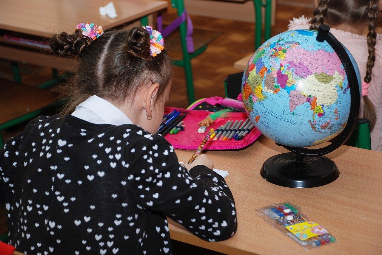 scuola_bambini_banco_classe