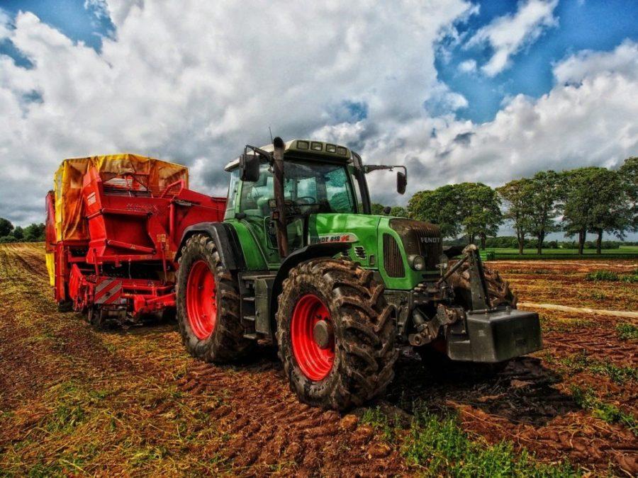 trattore-agricoltura