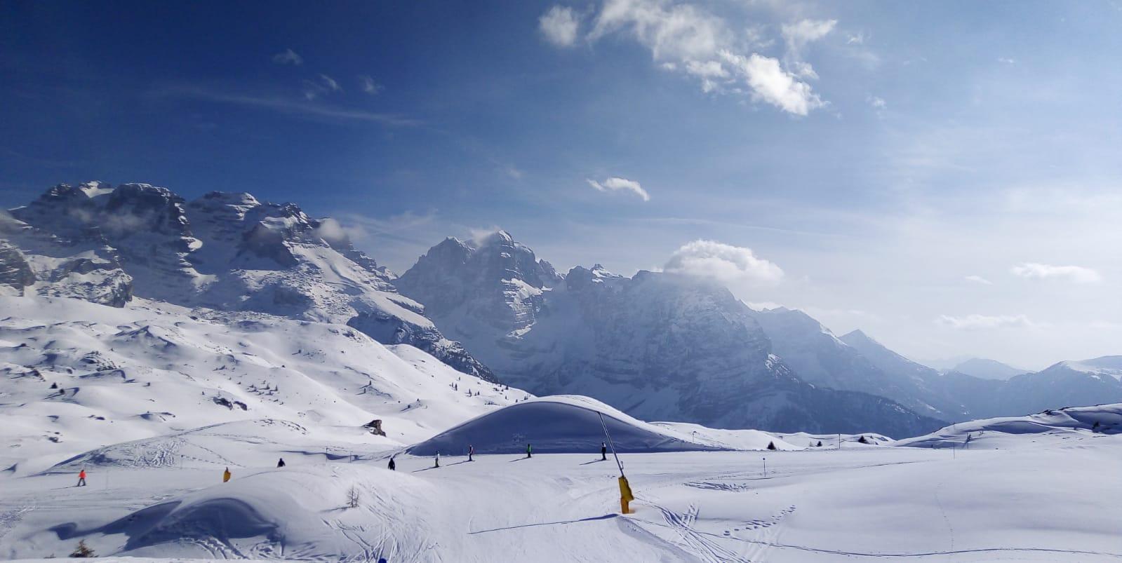 piste sci neve montagna