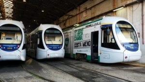 """Napoli Est, auto si ribalta a Ponticelli: """"Bisogna installare delle barriere protettive"""""""