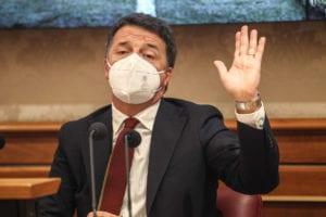 """Governo, Renzi: """"Imbarazzante tentativo di buttare la crisi su di me"""""""