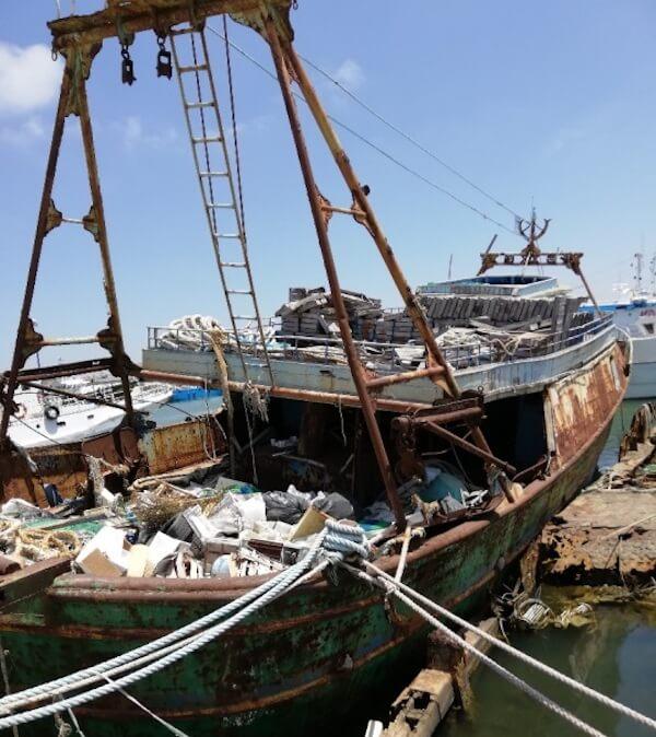 demolizione barca migranti