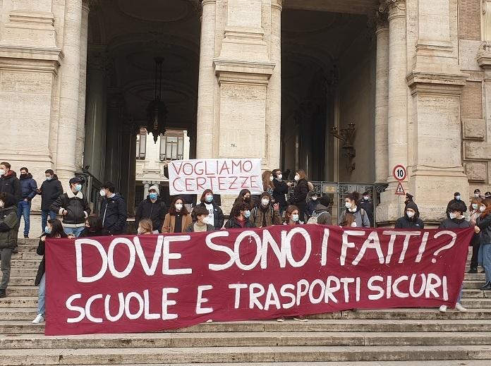protesta_studenti_ministero