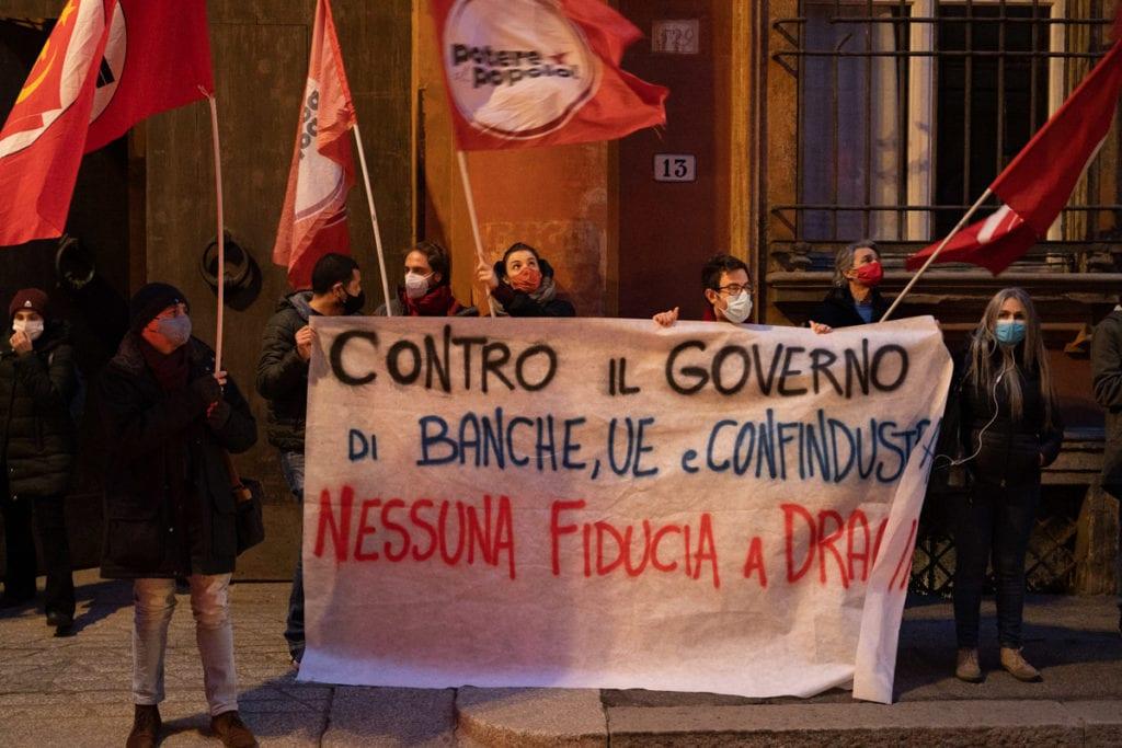 manifestazione contro governo Potere al popolo Bologna
