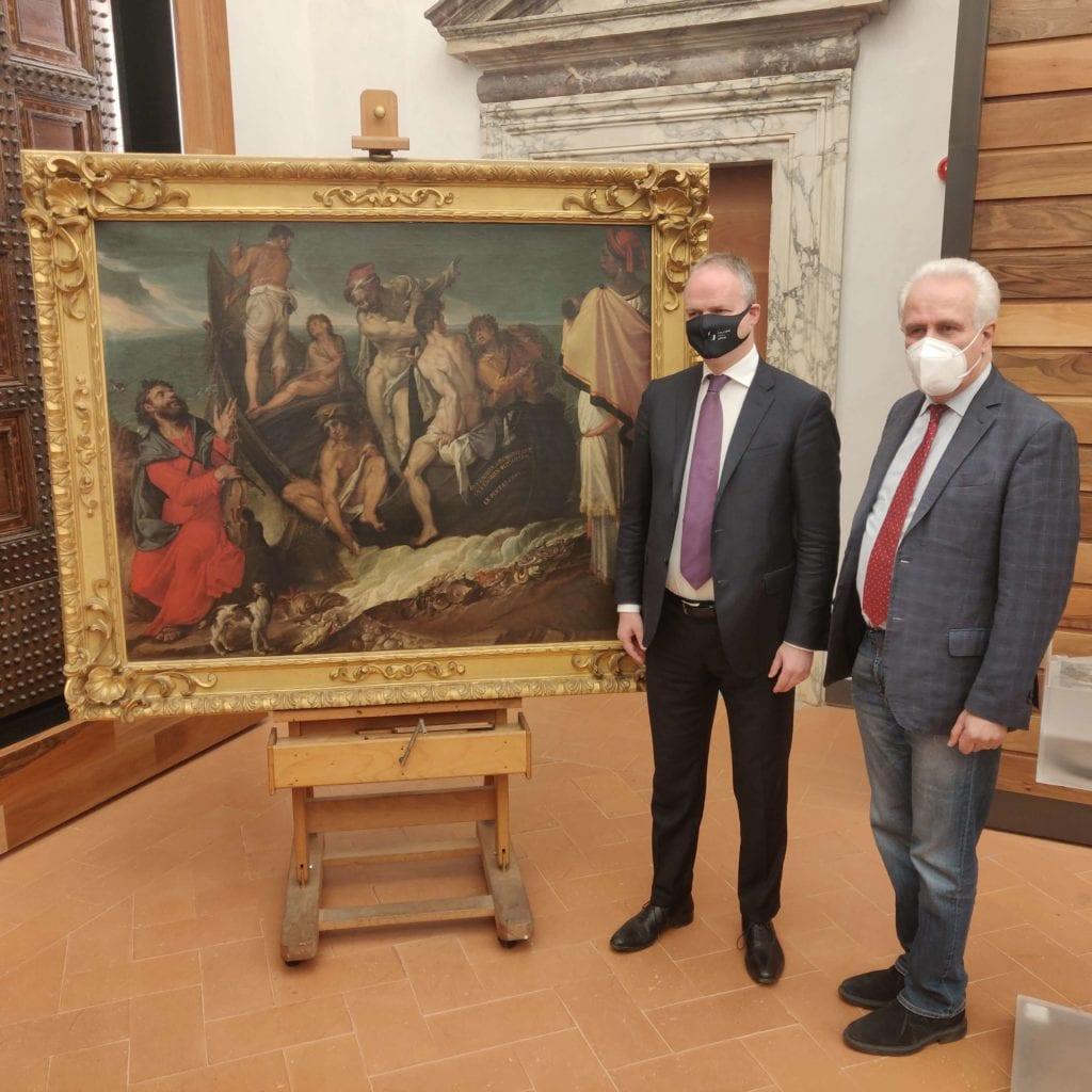 Schmidt e Giani con il dipinto di Passerotti