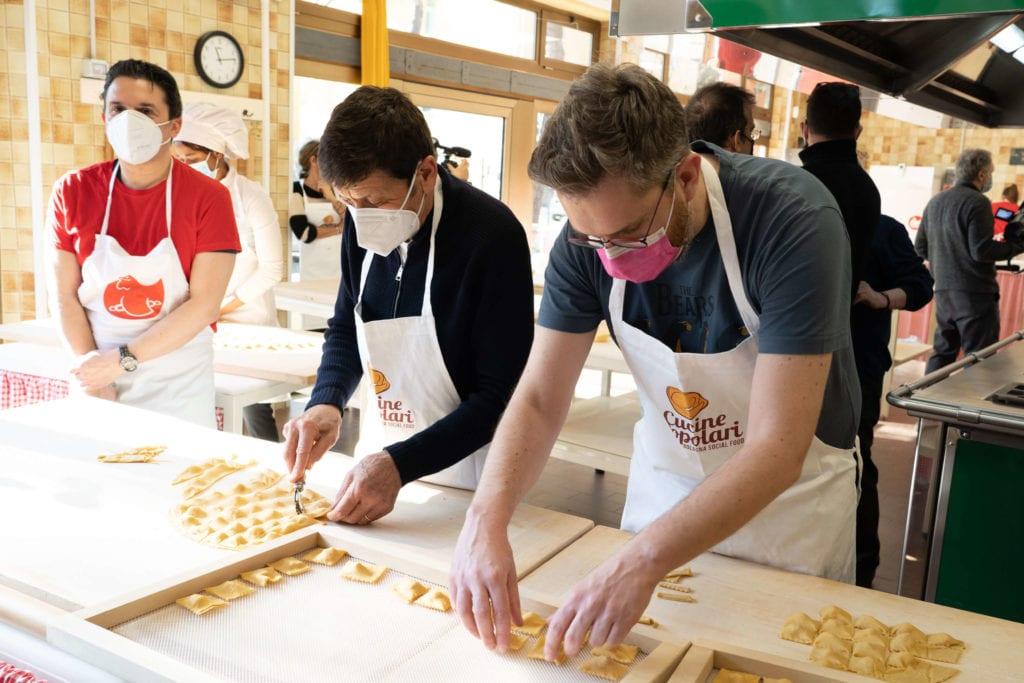 gianni morandi matteo lepore cucine popolari bologna