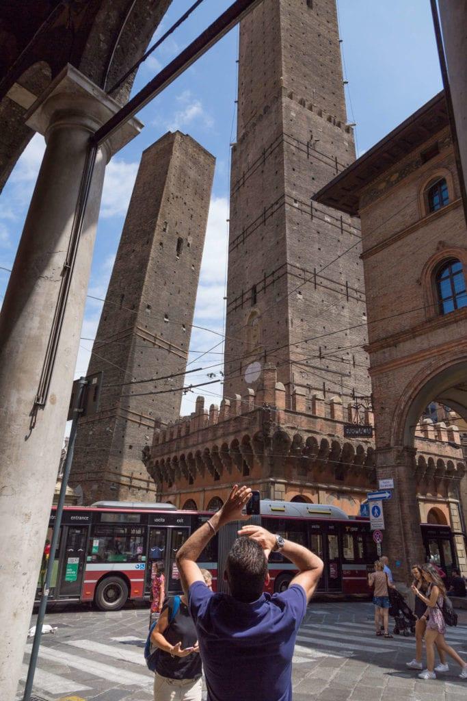 torre asinelli e garisenda bologna