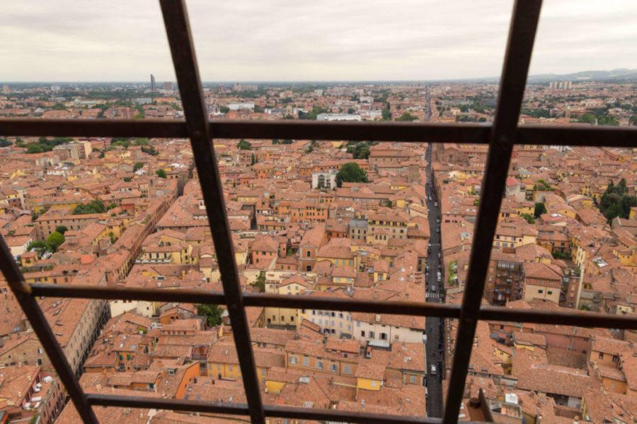 vista dalla torre asinelli bologna