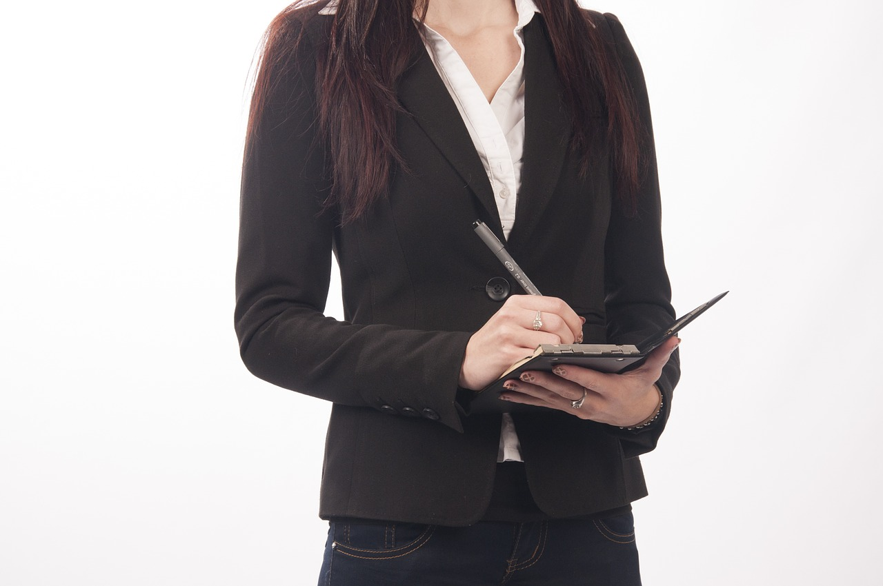 donna impiegata segretaria lavoratrice